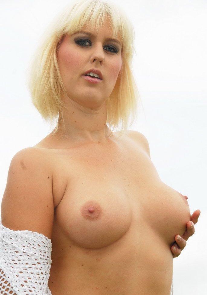 Hinsichtlich Sexanzeigen Duisburg oder auch Sex Treffen Essen richte Dich an Christa.