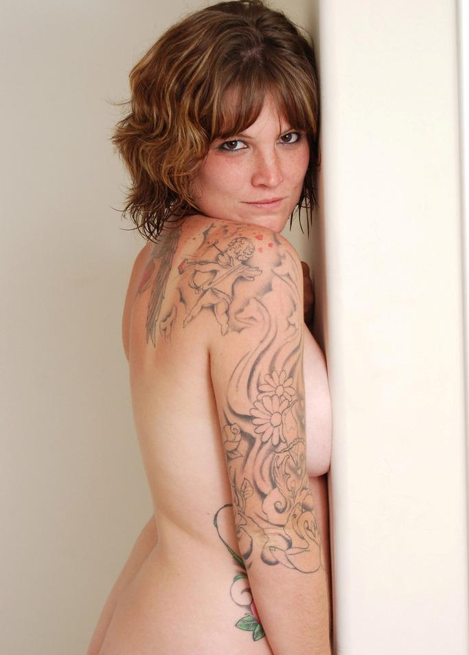 Bezüglich Erotik Kontakt Düsseldorf sowie Sie sucht Sex Franken – die Richtige dafür ist Lena.