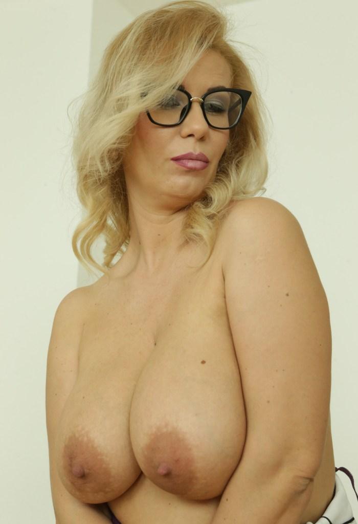 Sie sucht ihn Basel, Sex Anzeigen Dortmund - Madlen will es wissen.