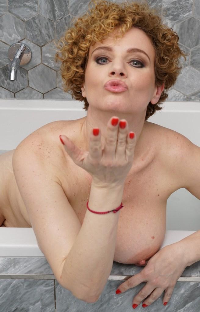 Dreilochstute Angelique zum Sexthema Mütter daten sowie Sie sucht Sex Augsburg anchatten.