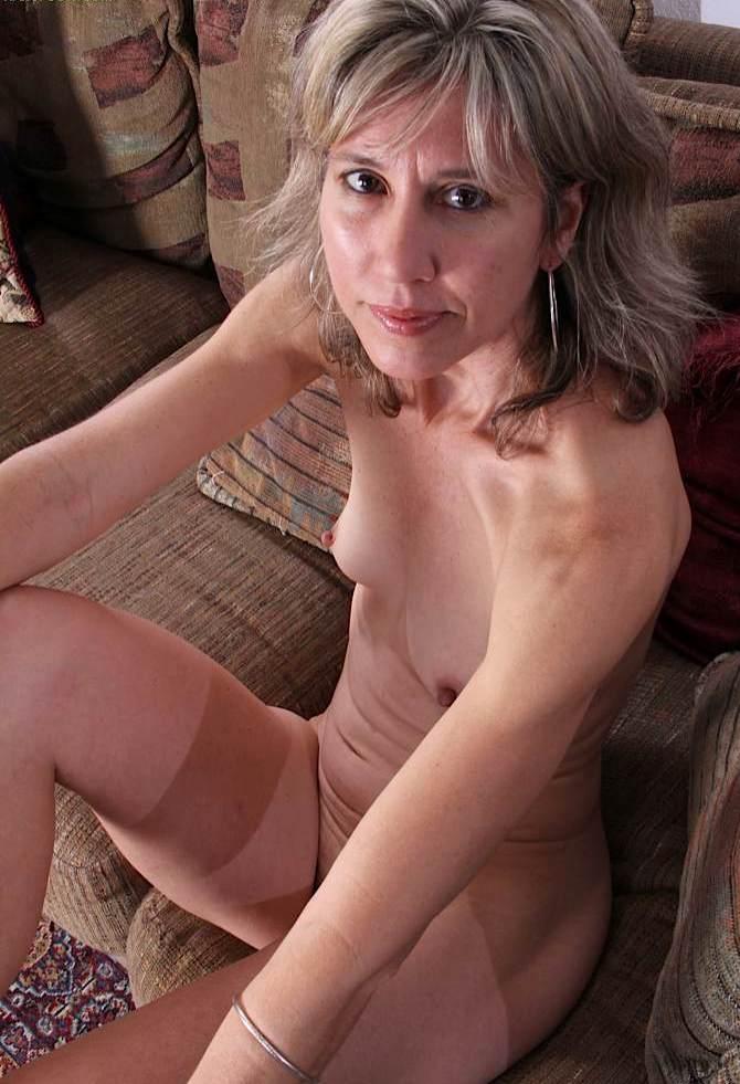 Mollige Milf, Erfahrene Ehefrauen – Julia will das auch.