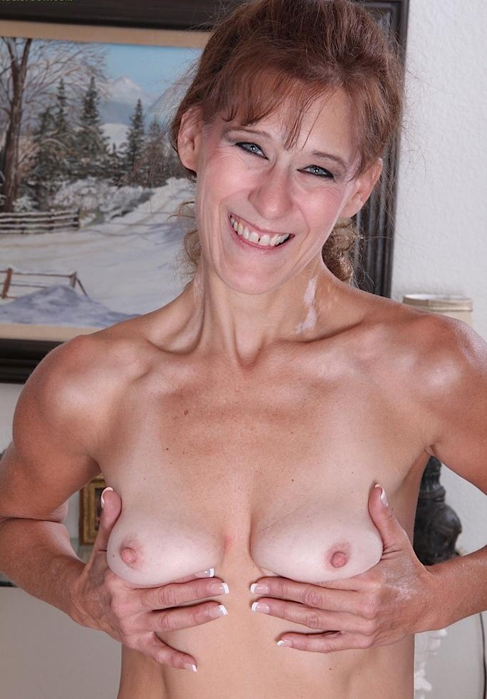 Hinsichtlich Untervögelte Luder oder Damen vögeln begrüßt Dich sehnsüchtig Gina.
