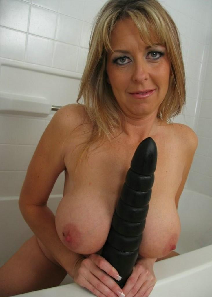 Sexy Lilly zum Thema Flittchen ficken wie auch Erotische Kontakte Basel einfach anschreiben.