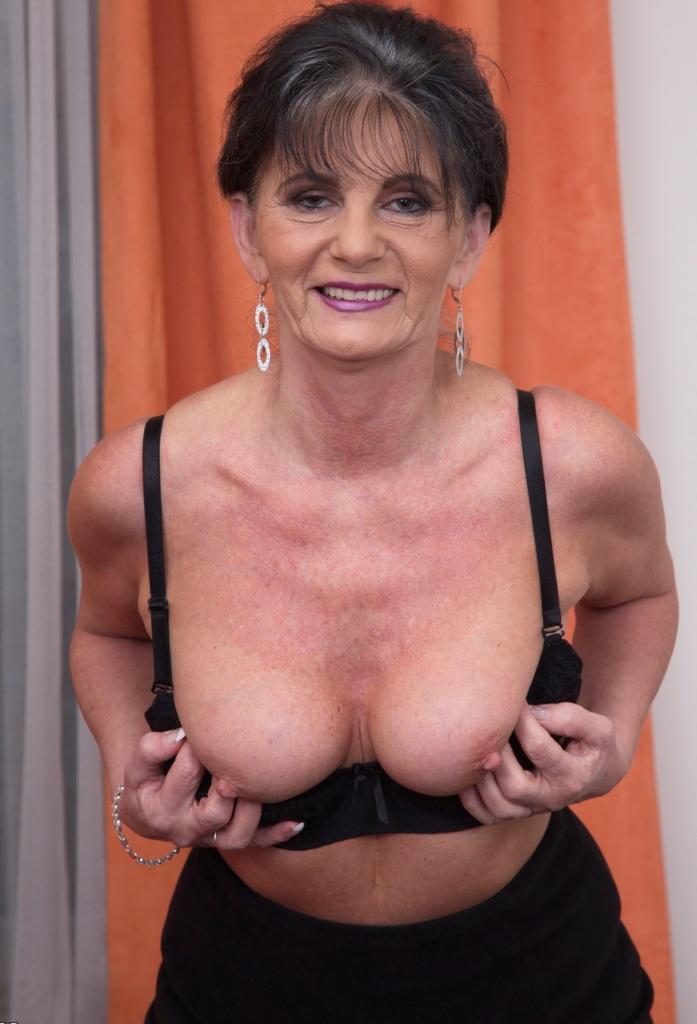 Ficksau Marie in Bezug auf Erotik Kontakt Hannover oder auch Privater Sex Karlsruhe anschreiben.