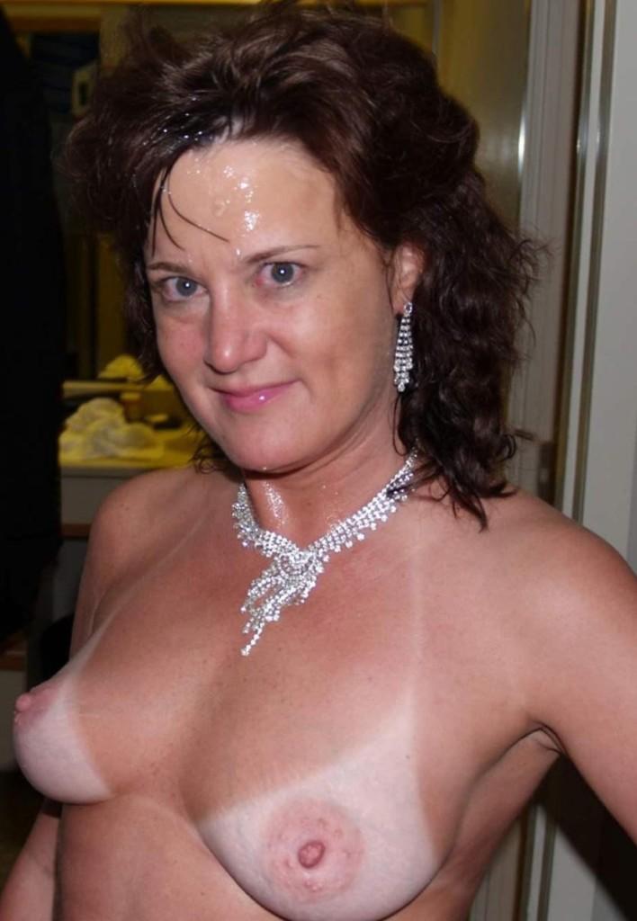 Hausfrau Christina in Sachen Erotische Treffen Hannover wie auch Sex Treffen Karlsruhe befragen.