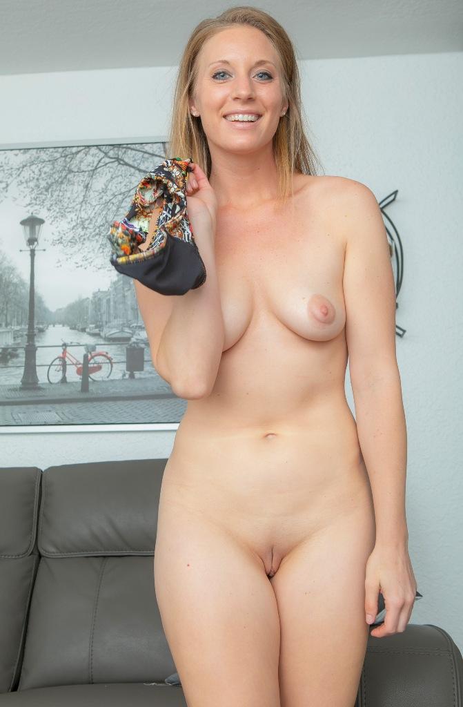 Hat jemand Interesse daran in Sachen Erotischer Kontakt Kiel mehr in Erfahrung zu bringen?
