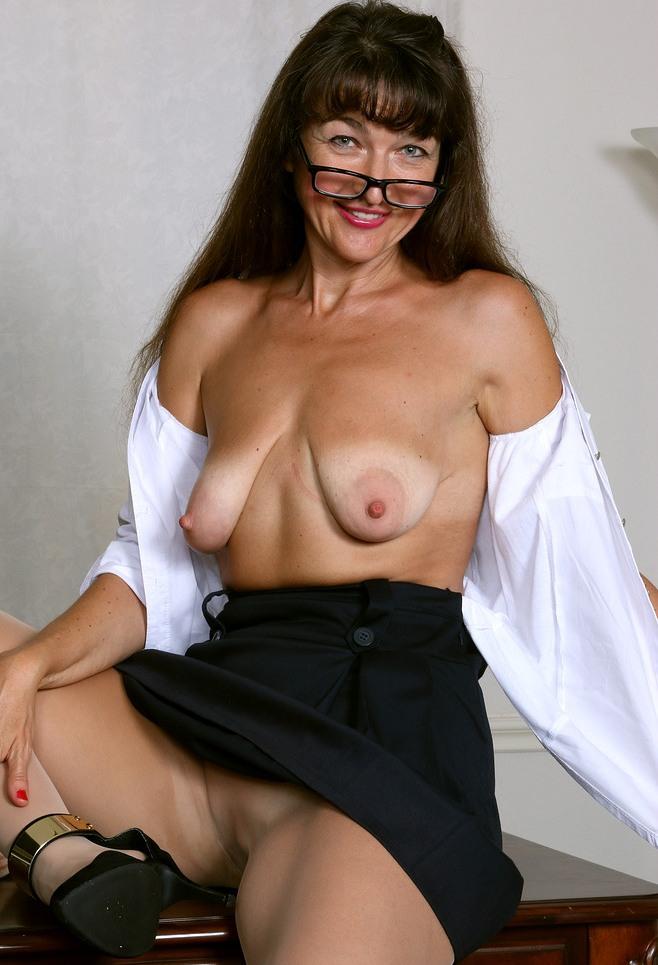 Bezüglich Privat Sex Düsseldorf und auch Erotik Kontakte Frankfurt wartet im Chat Silke.