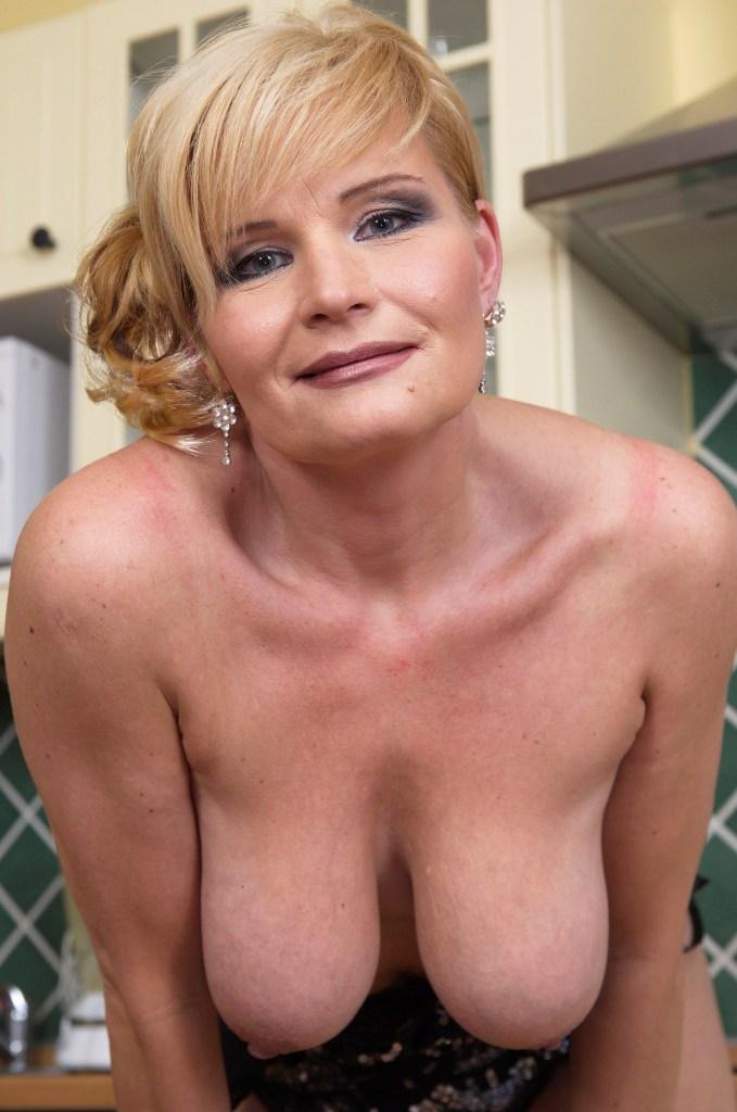 Zum Sexthema Sex Dates Duisburg bzw. Erotische Treffen Franken weiß die Antwort unsere Tina.
