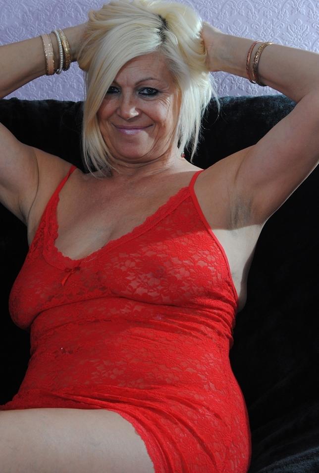 Hinsichtlich Privater Sex Kontakt Düsseldorf sowie Bumsen Franken – die Expertin dafür heißt Simone.